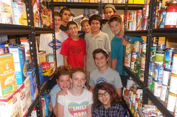 photo of food pantry volunteers